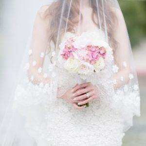 Le bonheur en blanc - Azur Flowers - Marie Claire Méditerranée